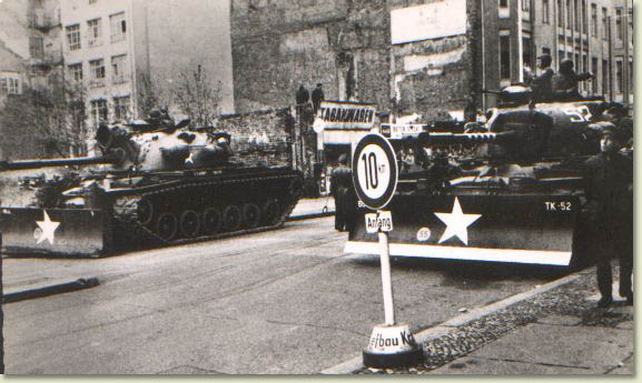 image of american tanks at Checkpoint Charlie